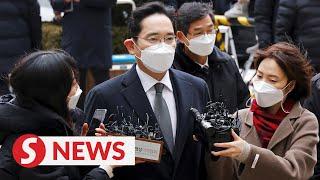 Samsung's Lee receives 30-month prison term