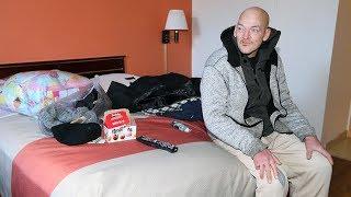 Stranger buys room for homeless man