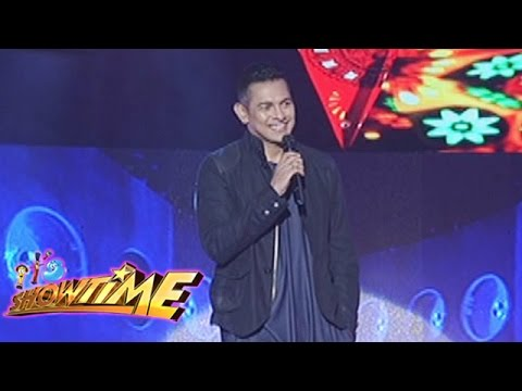 It's Showtime Singing Mo To: Gary V. sings