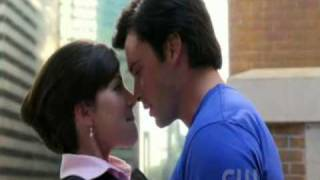 smallville 10x4 - clois -  clark saves future lois