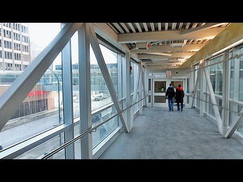 Downtown Winnipeg Via The Pedestrian Skywalks - Центр Вінніпеґу  крізь вікна повітряного переходу