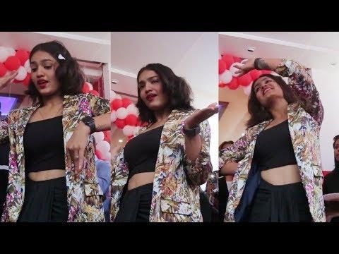 ക്യൂനിലെ പാട്ടിനു സാനിയ ഇയപ്പന്റെ കിടിലൻ ഡാൻസ്  | Saniya Iyappan Dance