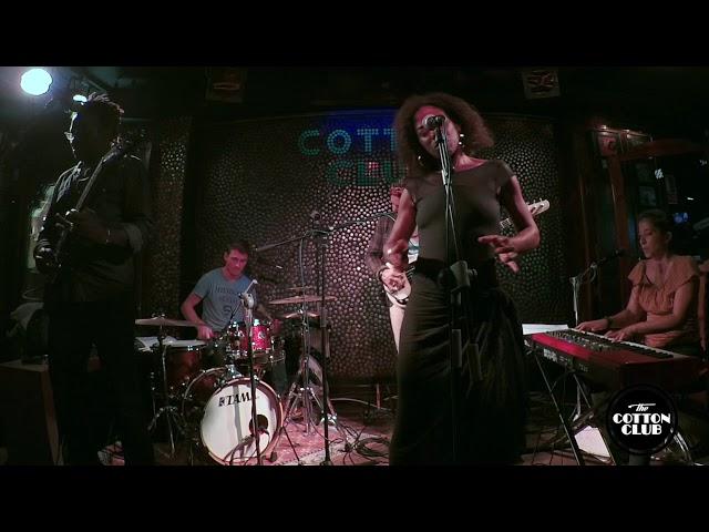 Chelima en directo en Cotton Club Bilbao  La chanson de Mariana