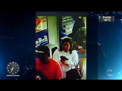 Mulher que usava truques de mágica para roubar lotéricas é procurada | SBT Brasil (19/07/18)