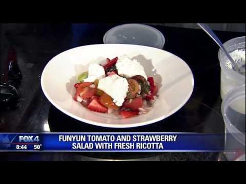 FUNYUN Tomato & Strawberry Salad