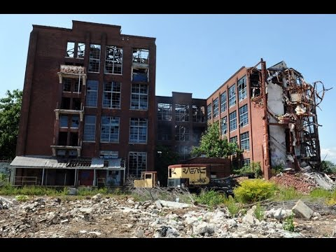 Exploring an Abandoned Gun Factory (Remington Arms Factory)