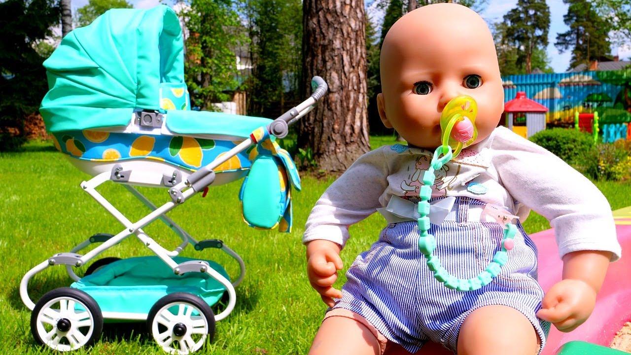 Un carrito para la bebé Annabelle. Vídeos de bebés Baby Born. Juguetes para niñas