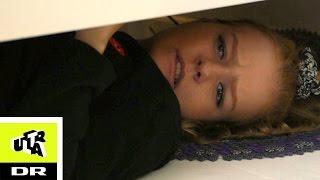 Kristine Sloth ligger under sengen |Agnes Værelse | Ultras Bedste |Ultra