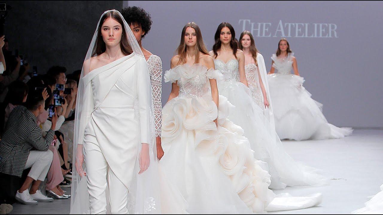 Vestiti Da Sposa Youtube.Abiti Da Sposa The Atelier Couture 2020 Volumi E Cristalli Per La