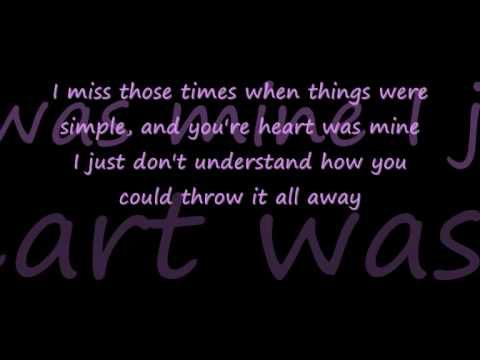 Tila tequila - Paralyze (With lyrics)
