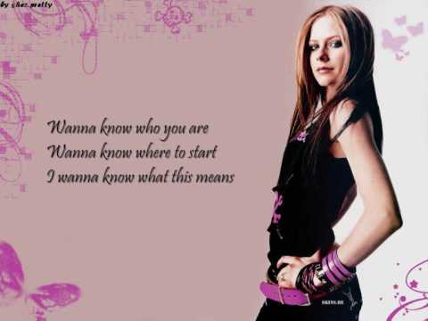 Avril Lavigne - Fall To Pieces (lyrics)
