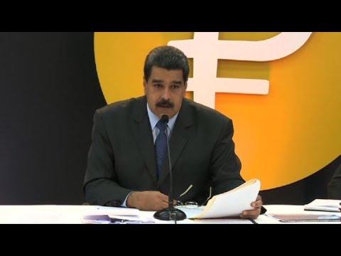 Maduro dice que el petro es para saltarse al dólar