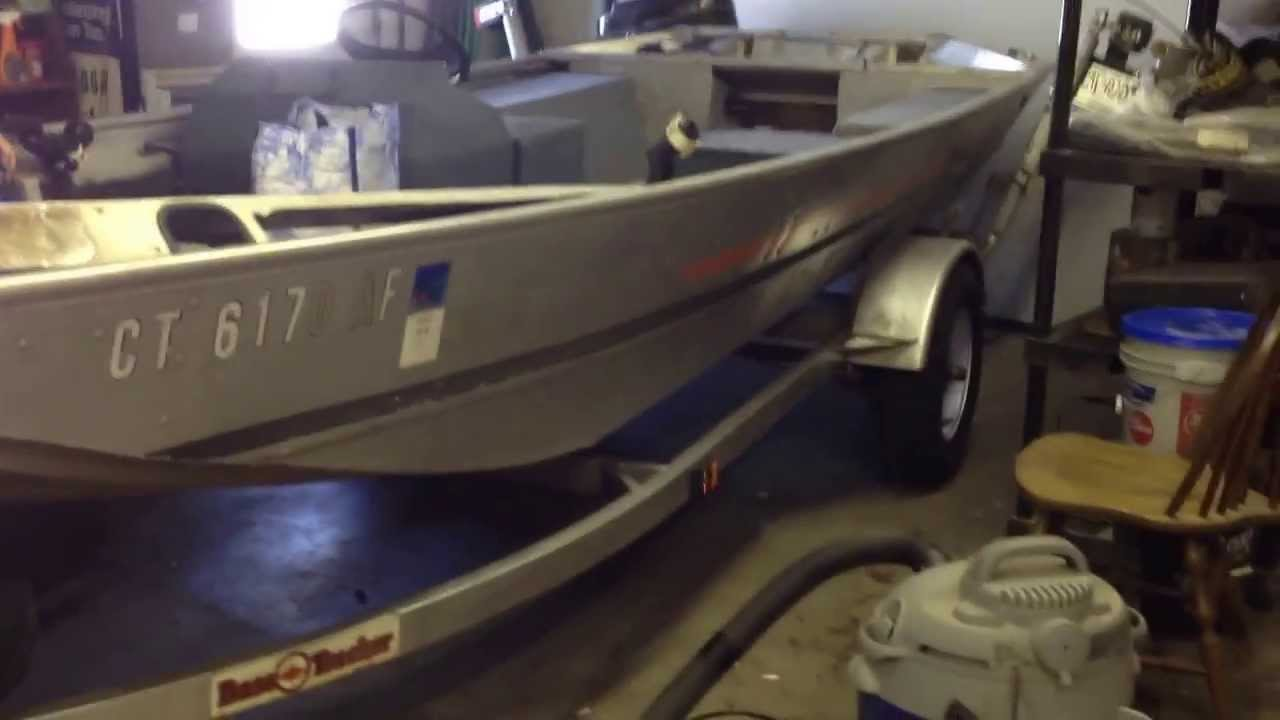 How to check aluminum boat for leaks and leaky rivets