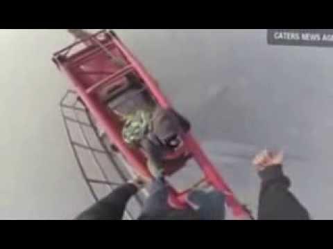 Amazing: Daredevils climb shanghai skyscraper