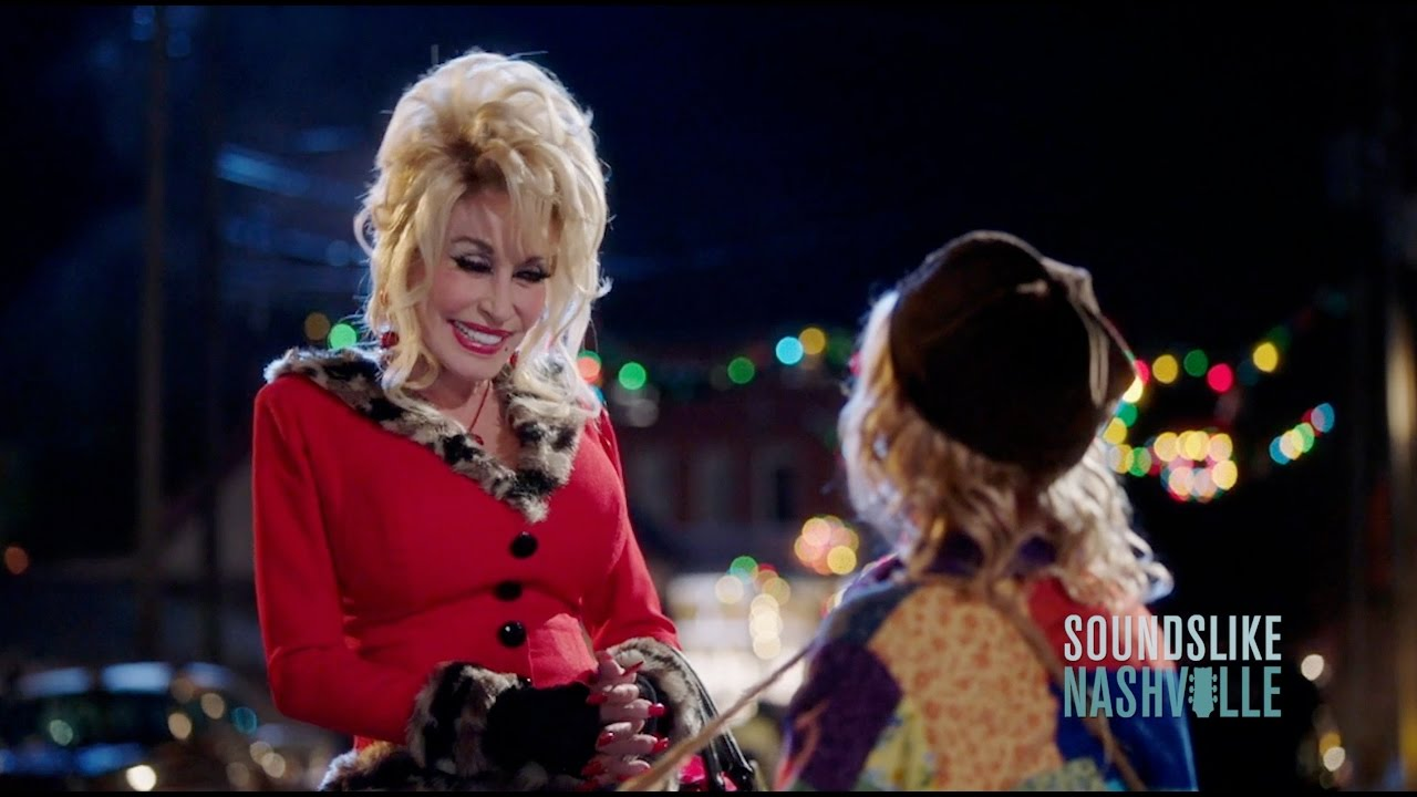 Dolly Partons Christmas Of Many Colors Circle Of Love.Dolly Parton Cast Talk Christmas Of Many Colors Circle Of Love