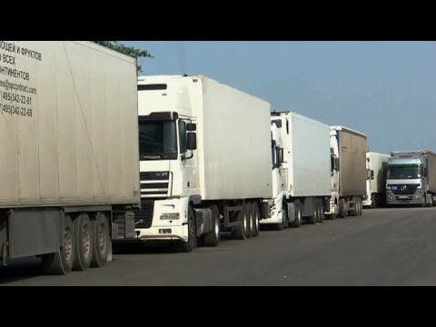 Пробка из фур на границе с Азербайджаном. Скопилось 400 машин