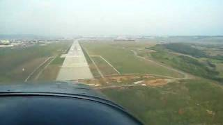 Landung in Hermannstadt mit einer Cessna 177 Cardinal