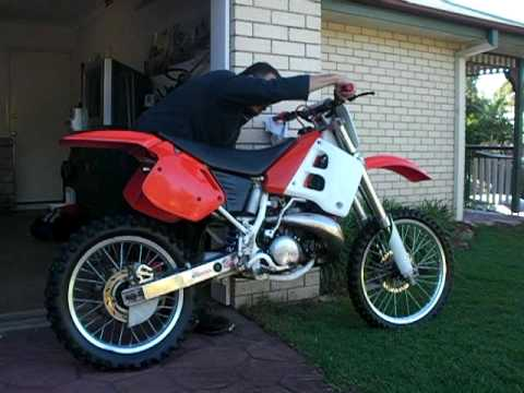 honda cr 250 1991 cold start youtube. Black Bedroom Furniture Sets. Home Design Ideas