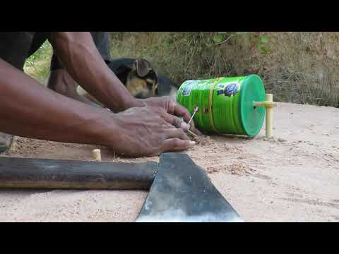 DIY Wild Chicken Trap Technology Build From Dupro Bottle And Wood - Easy Bird Trap
