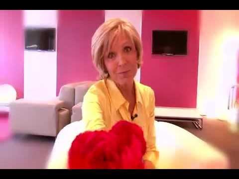 Evelyne dheliat vous pr sente les fleurs de la fraternit youtube - Age de evelyne delhia ...