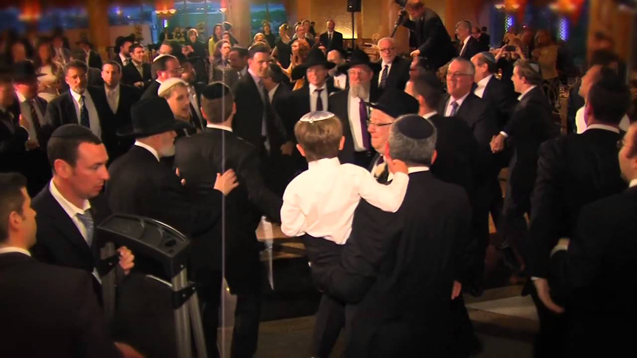 Nafshenu Orchestra Heimah-Amazing Performance Featuring Dovid Gabay