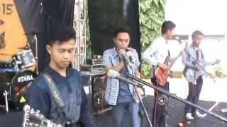 Video Ungu - Cinta Gila (Black Sabah Cover) download MP3, 3GP, MP4, WEBM, AVI, FLV Februari 2018