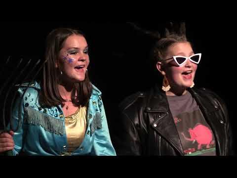 2018 Lip Sync Battle  Live Performance Izzi Petry & Kate Reid