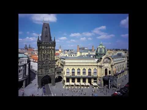 W A Mozart Symphony No.38 Prague in D major, Jiri Belohlavek
