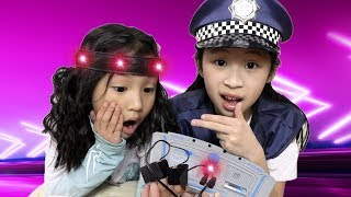 Pretend Play Police - Lie Detector SHOCK for Stealing Toys