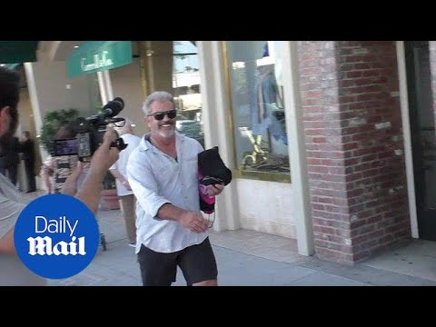 Call The Fashion Police! Mel Gibson Shopping In Beverly Hills - Daily Mail