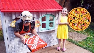 Öykü Plays Funny Grandfather brings Pizza order