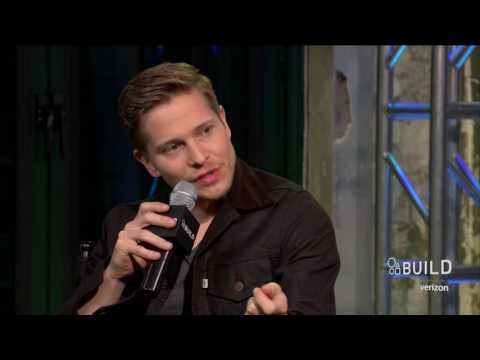 """Matt Czuchry Discusses What Logan Taught Rory In """"Gilmore Girls: A Year In The Life"""" 