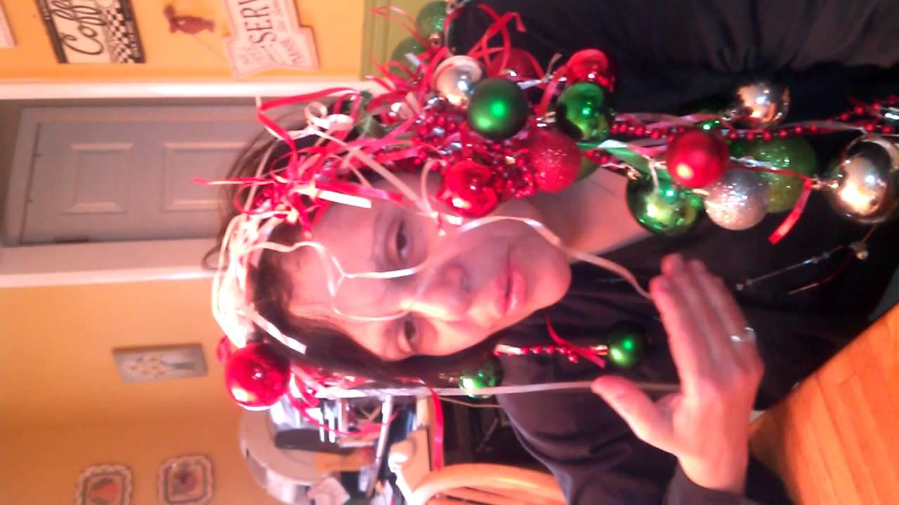 Italian \'Co-mod-a-\'s\' Pt 2 \'\'Oh, Christmas Weave\'\' - YouTube