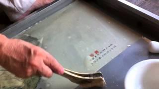本紙のシミ抜き -とある表具師さんのやり方-