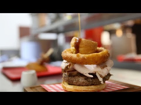 The Woody Show - How to Cram an Entire Christmas Dinner in One Burger