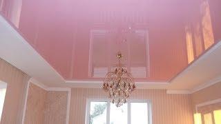 Выбор глянцевых или матовых натяжных потолков для спальни