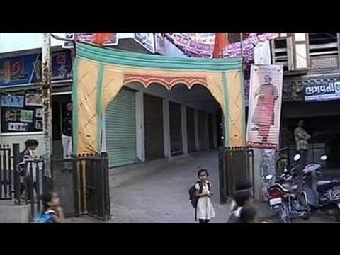 Narendra bhai we are waiting, says Vadnagar, Modi's hometown