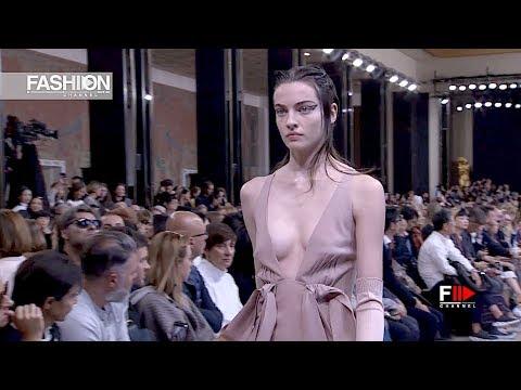 ROCHAS Spring Summer 2019 Paris - Fashion Channel