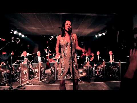 "Sharon Brauner & The Capital Dance Orchestra ""di grine kuzine"""
