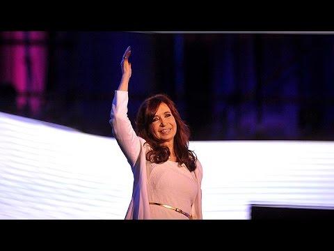 """Cristina a la militancia: """"Si traicionan al país, ustedes serán el problema"""""""