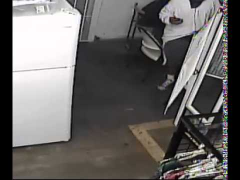 Surveillance video of suspects in Palolo's Valley Market robbery