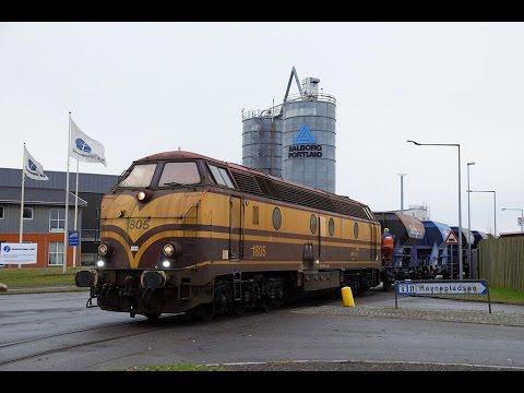 CFL 1805 & Strukton 303003 med skærvetog fra Køge 26+27 November 2016