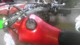 How to clean/restore a faded plastic gas tank (82cr80r)