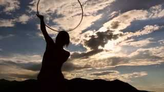 Shakti Sunfire Hoop Dance: A Moving Meditation (Wanderlust)