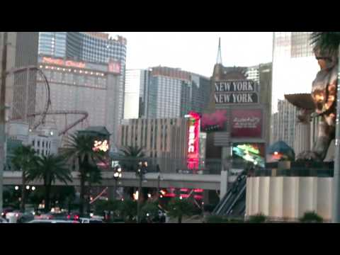 10-Hi-D_LAS VEGAS DOWNTOWN - BIG PARTY TOWN AND CITY POPULATION OF 2.2 MILLION