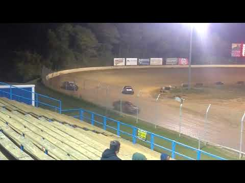 Pure stock feature race at Florence speedway 9/30/17