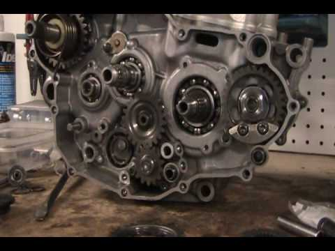 Part 21: Balancer shaft and kickstart idle gear YZ250F