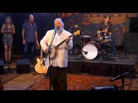"""Shinyribs Performs """"Baby What's Wrong With You"""" on The Texas Music Scene"""