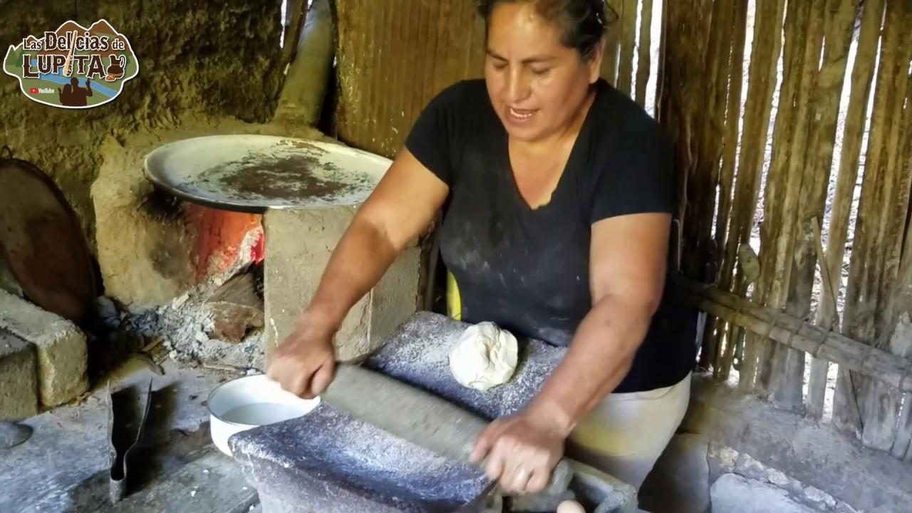 Como hacer tortillas de maiz y huevo dulces | pancakes de masa de nixtamal Las Delicias de Lupita