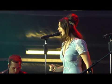 Lana Del Rey - Serial Killer (Lollapalooza Paris 23/07/17)